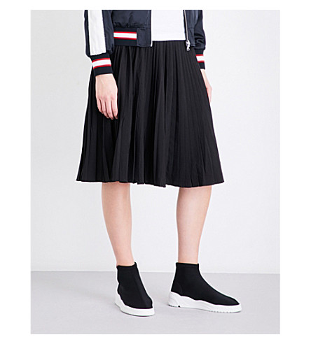 IZZUE Pleated high-rise crepe skirt (Black