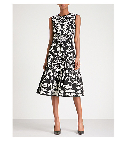 ALEXANDER MCQUEEN Botanical-patterned jacquard-knit midi dress (Black/ivory