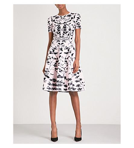 ALEXANDER MCQUEEN Botanical-patterned jacquard-knit dress (Rosa/black