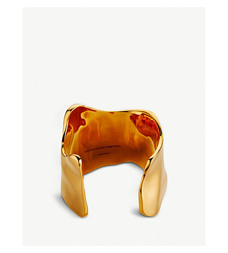 ALEXANDER MCQUEEN Molten gold-toned cuff (Gold/antil