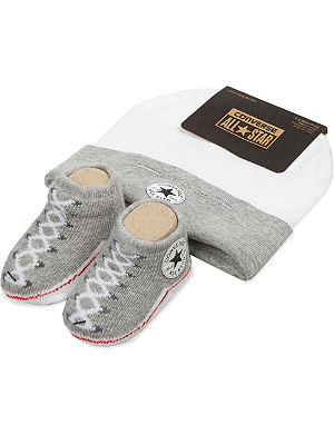 CONVERSE Hat and bootie set 0-6 months