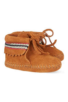 MINNETONKA Braid booties 3-24 months