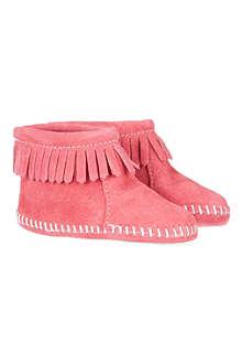 MINNETONKA Velcro strap fringe booties 3-24 months