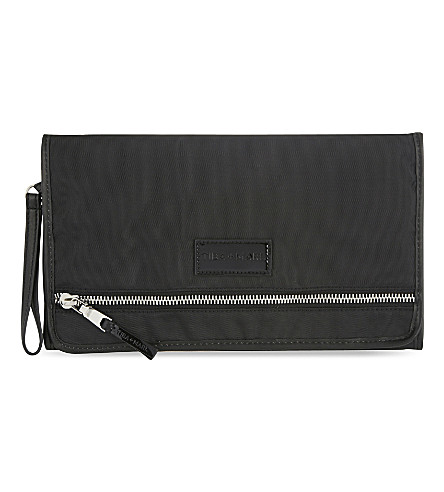 TIBA & MARL Etta changing mat clutch (Black