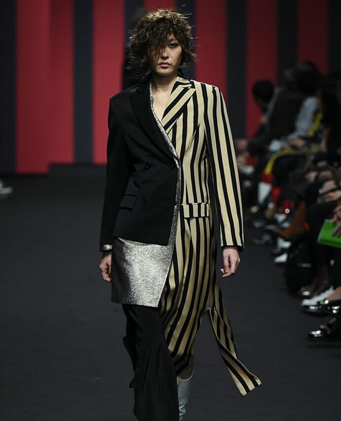 A model walking down the catwalk