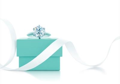 Tiffany & Co戒指和礼品盒