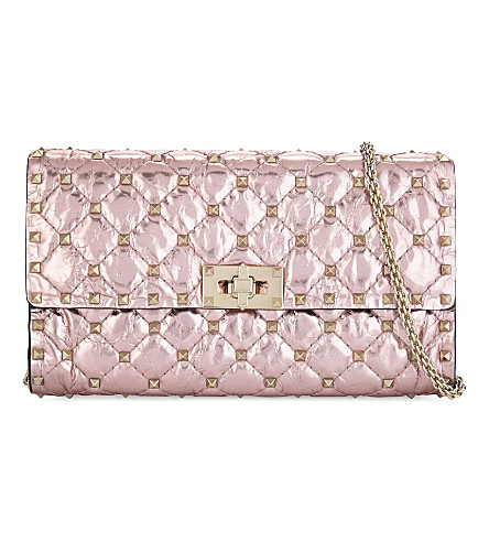 VALENTINO Rockstud medium metallic quilted leather clutch (Lipstick