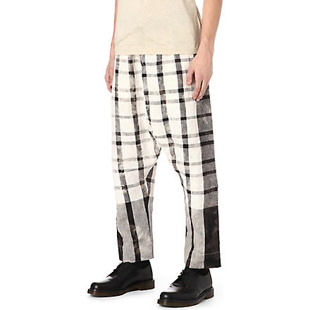VIVIENNE WESTWOOD Checked drop-crotch linen trousers (White / black