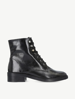 Carvela 靴子
