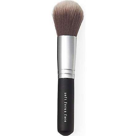 BARE MINERALS Soft focus face brush