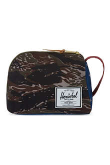 HERSCHEL Royal printed pouch