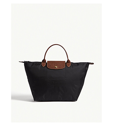 LONGCHAMP Le Pliage medium handbag in black (Black