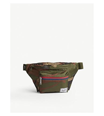 HERSCHEL SUPPLY CO Seventeen bum bag (Woodland+camo/multi+zip