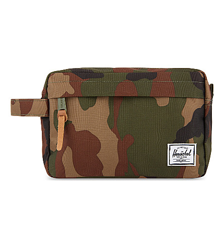 HERSCHEL SUPPLY CO Chapter woodland camouflage washbag (Woodland+camo/multi+zip