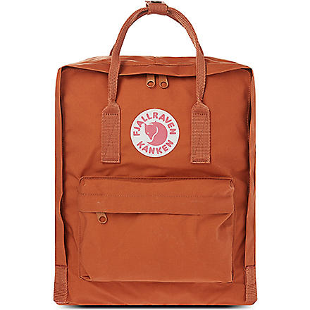 FJALLRAVEN Kånken backpack (Brick