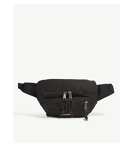 EASTPAK Authentic Doggy bum bag (Black