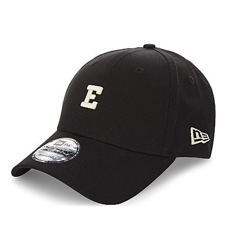 EASTPAK 9FORTY 棒球帽 (新 + 时代 + 黑色