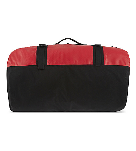 EASTPAK Base camp medium duffel bag (Red/black