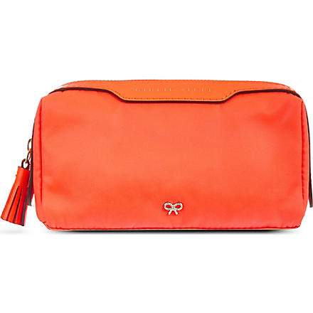 Girlie Stuff wash bag (Clementine