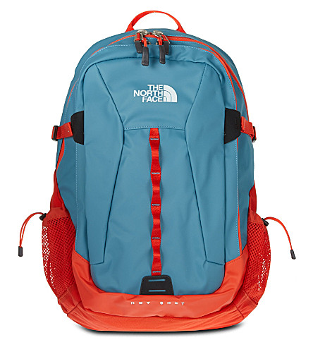 THE NORTH FACE Base camp Hot Shot backpack (Blur/red