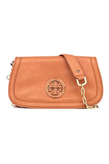 TORY BURCH Amanda leather logo clutch