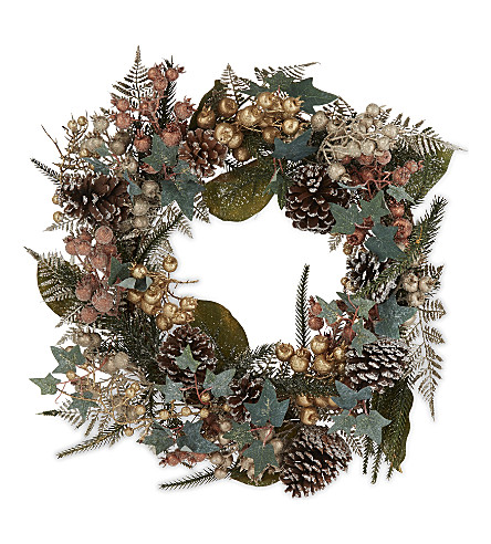 HANGING ORNAMENT Berry leaf wreath