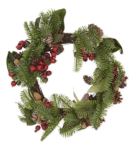 HANGING ORNAMENT Berry wreath