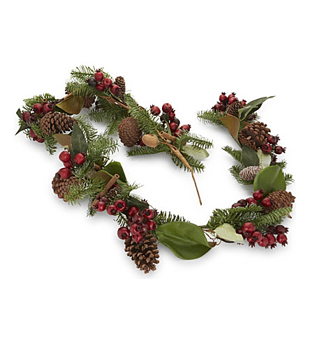 HANGING ORNAMENT Berry garland