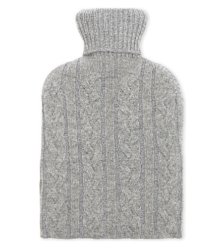 JOHNSTONS Cable-knit cashmere hot water bottle cover (Ru4401-42l/grey