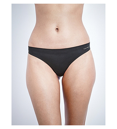 CALVIN KLEIN Perfectly Fit seamless thong (001+black