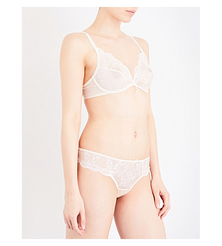 WACOAL Innocence embroidered bra (Blonde