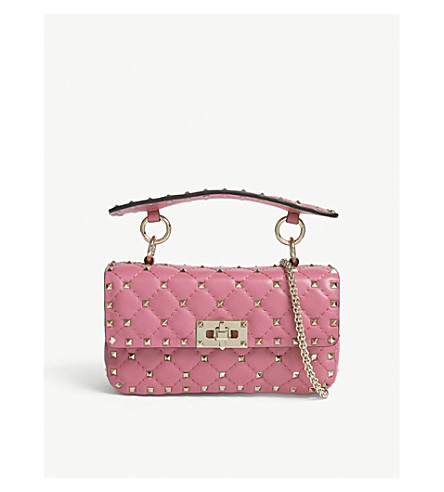 VALENTINO Rockstud 小绗缝皮革单肩包 (粉红色 + 兰花