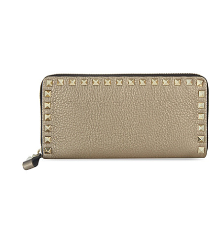 VALENTINO Metallic leather rockstud zipped wallet (Silver+metallic