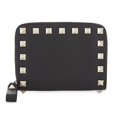 VALENTINO Rockstud mini zip around leather purse (Black