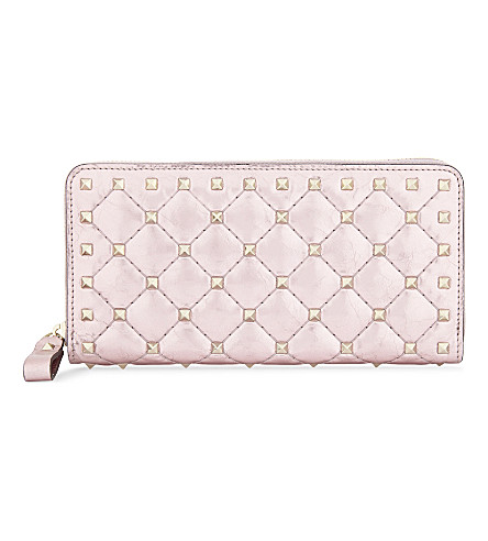 VALENTINO Rockstud metallic leather zip-around purse (Lipstick