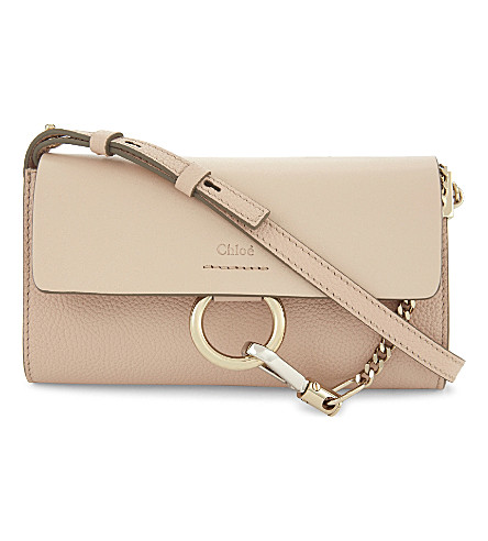CHLOE Faye leather wallet on chain (Cement+pink