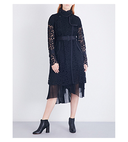 SACAI Buckle-fastened floral-lace coat (Black