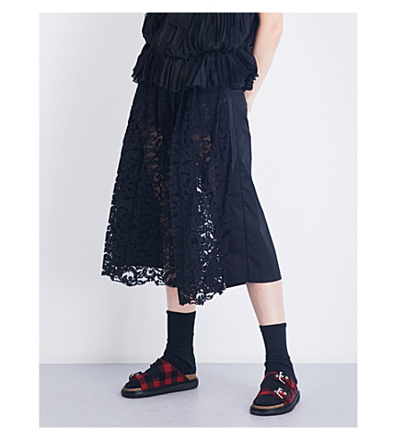 SACAI Cropped floral-lace gabardine trousers (Black