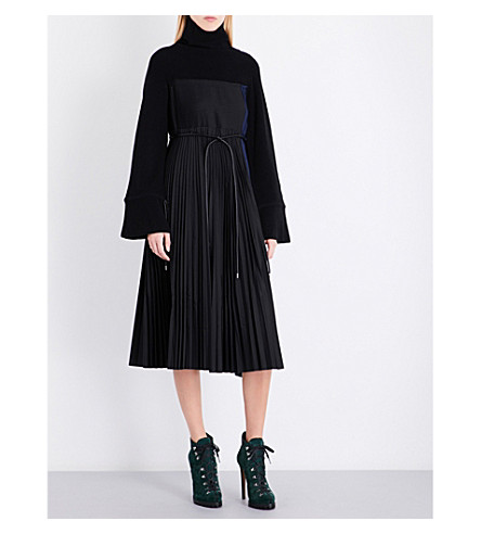 SACAI Turtleneck wool-blend dress (Black/navy