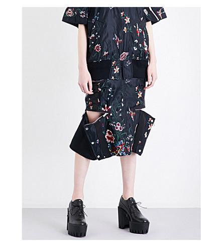 SACAI Floral-embroidered shell skirt (Black