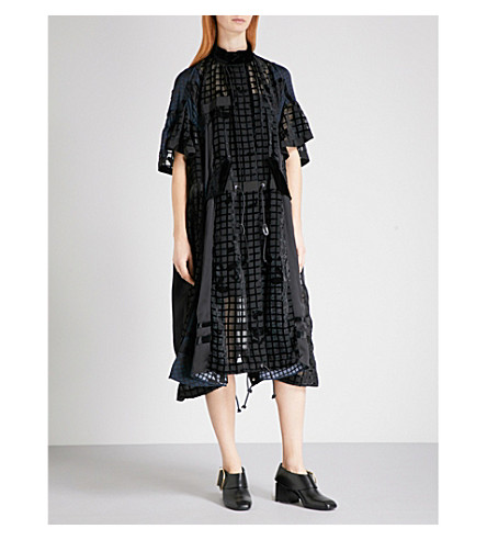 SACAI Heart grid-pattern devoré dress (Black/navy