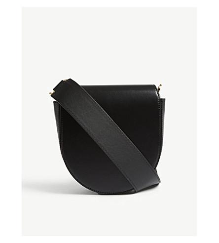SACAI Horse shoe leather shoulder bag (Black