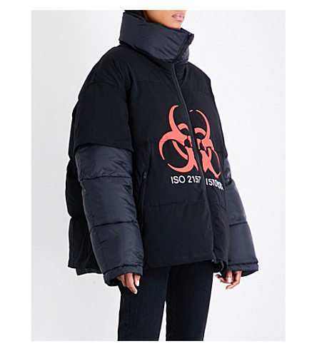 VETEMENTS Volunteer shell puffer jacket (Black