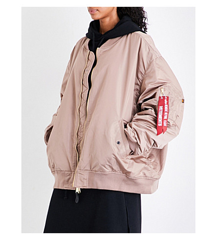 VETEMENTS Reversible oversized satin bomber jacket (Pink