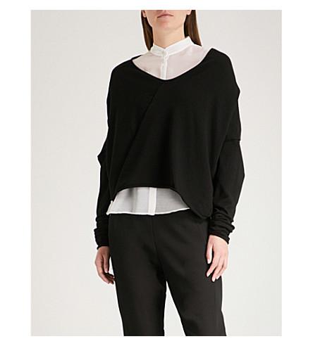 ISABEL BENENATO V-neck asymmetric-hem knitted top (Black