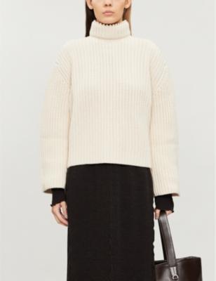 Faux-pearl-embellished turtleneck cashmere jumper