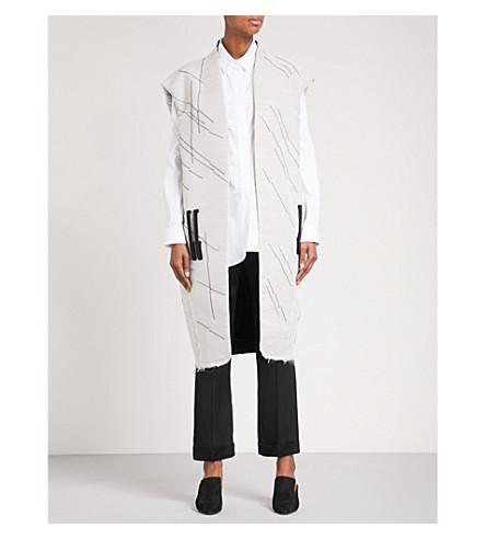 OMER ASIM Bedu oversized sleeveless silk coat (White/black