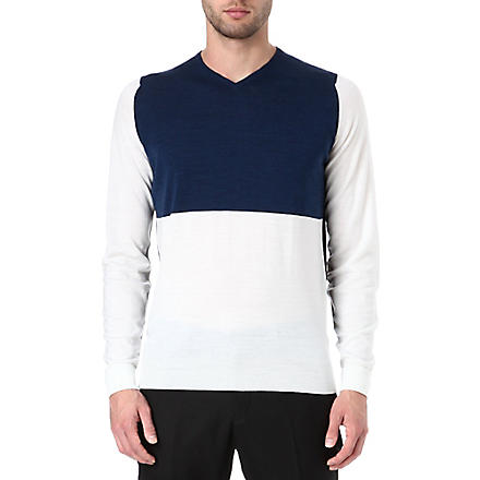 JOHN SMEDLEY Colourblocked v-neck jumper (Snow/midnight