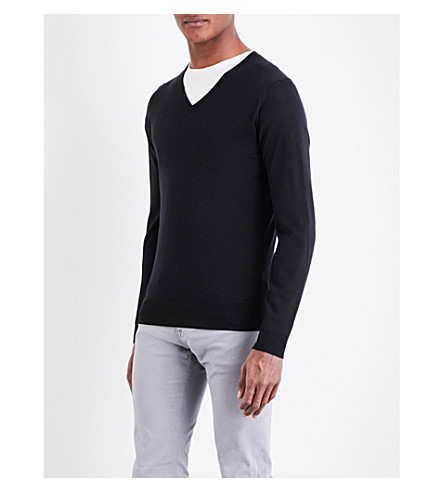 JOHN SMEDLEY Blenheim V-neck merino wool jumper (Black