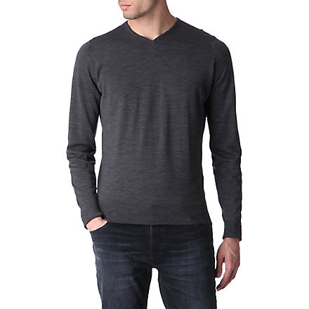 JOHN SMEDLEY Bower high v–neck jumper (Charcoal